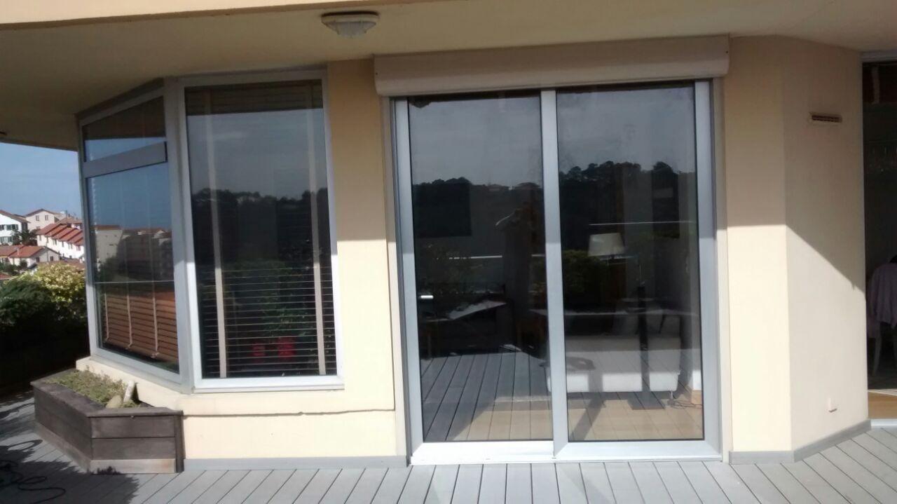 Puertas correderas color plata en biarritz - Silicona para exteriores ...